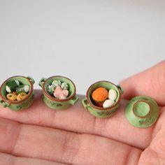 指尖上的藝術 / / / #picoworm #handmade #miniaturefood #miniature #kueh #localfood #culturalfood #angkukueh #huatkueh #bakpao #ondeonde #ハンドメイド #ミニチュア #ミニチュアフード