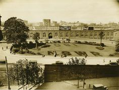 Garden in front of Central Railway Station, Sydney Dated: pre February 1936 Sydney City, Sydney Harbour Bridge, Aboriginal History, As Time Goes By, Historical Architecture, Historical Pictures, Sydney Australia, Travel Posters, Old Photos