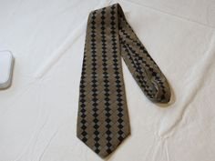 Guess USA American Tradition menswear neck tie silk necktie Men's GUC #Guess #tie