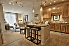 (Expensive but beautiful) Carlyle at Crosstown Apartments - Tampa, FL 33619 | Apartments for Rent