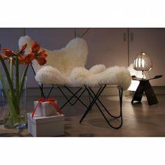 Fußteil - Hardoy / Butterfly Chair mit Bezug Schaffell