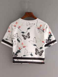 Shop Letter & Butterfly Print Crop T-shirt online. SheIn offers Letter & Butterfly Print Crop T-shirt & more to fit your fashionable needs. Girls Fashion Clothes, Teen Fashion Outfits, Fashion Dresses, Emo Fashion, African Fashion, Fashion Trends, Crop Top Outfits, Cute Casual Outfits, Stylish Outfits