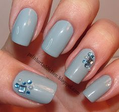 would look better as oval or claw nails