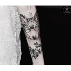 Wolf by @dianaseverinenko