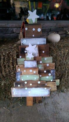 Alberi di Natale fai da te - Alberi con bancali di legno.