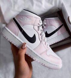 Pink Jordans, Black Jordans, Retro Sneakers, Sneakers For Sale, Jordan 11, Kanye West, Yeezy, Streetwear, Nike Sb Shoes