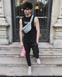 Beautiful Boys, Pretty Boys, Cute Boys, Skater Boy Style, Emo People, Boy Fashion, Fashion Outfits, Emo Guys, Cute Emo