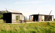 MOMO Mixes Clean Lines, Green Roofs : TreeHugger
