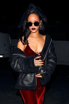 Rihanna : Photo ♡ Pinterest : @uniquenaja ♡