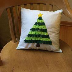 Hometalk :: Christmas Tree Fringe Pillow