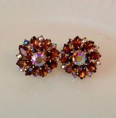 Rhinestone Jewelry, Vintage Rhinestone, Vintage Brooches, Vintage Earrings, Vintage Costume Jewelry, Vintage Costumes, Antique Jewelry, Vintage Jewelry, Clip Earrings