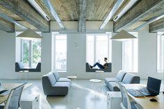 Beeldcitaat: http://www.dezeen.com/2014/08/04/wix-offices-in-vilnius-by-inblum-architects/ (fotografie: Darius Petrulaitis)