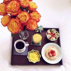 Breakfast in Bed @Thetransatlanticblog via Instagram
