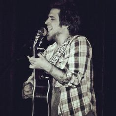 Lee DeWyze burns up the stage in Denver, Colorado at the Soiled Dove Underground  Photo by reaganincolorado on instagram HERE