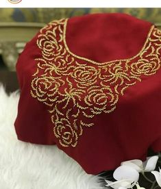 Tambour Embroidery, Hand Work Embroidery, Hand Embroidery Designs, Embroidery Suits Design, Embroidery Fashion, Hand Work Blouse Design, Afghan Dresses, African Fashion, Blouse Designs