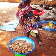 Mancarra Vendor @ Canchungo, Guinea-Bissau
