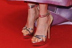 5 Tips to Avoid Sandals That Don't Fit Well This Spring If you haven't kicked off your sandal shopping yet, you had better get started before someone else beats you to your favorite look. But before …  http://footwearnews.com/2017/focus/womens/tips-perfect-fit-sandals-feet-shoes-330794/