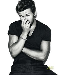 Ryan Kwanten. Can we just take a moment and realize how adorable Australian men are? :)