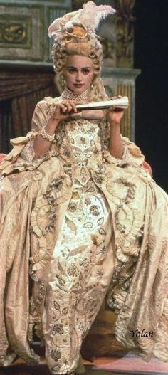 17th Century Fashion, 18th Century Dress, 18th Century Costume, 18th Century Clothing, Theatre Costumes, Movie Costumes, Costume Marie Antoinette, Marie Antoinette Movie, Vogue Madonna