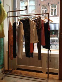 Meubel blokken, kledingrekken + Inrichting van INFNTI-1