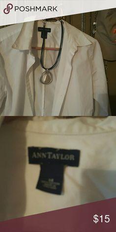 White blouse White cotton button up blouse 14 Ann Taylor Tops Button Down Shirts