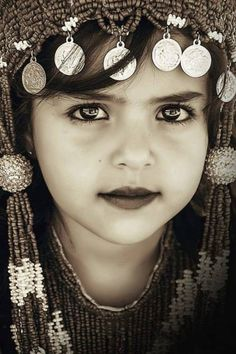 ✣ ... Never bend your head. Hold it high. Look the world straight in the Eye. ✣ Helen Keller Love that face...