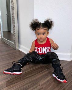 𝐒í𝐞𝐧𝐚 𝐏𝐫𝐞𝐬𝐥𝐞𝐲 𝐒𝗺𝐢𝐭𝐡 (@sienapresley) • Instagram photos and videos Presley Smith, Photo And Video, Instagram, Siena, Videos, Winter, Photos, Cute Baby Girl, Bebe