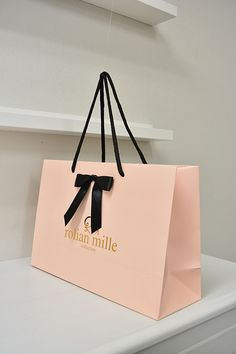 Clothing Packaging, Fashion Packaging, Luxury Packaging, Boutique Decor, Boutique Interior, Boutique Design, Shoping Bag, Shopping Bag Design, Paper Carrier Bags