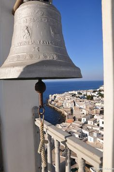 Nisyros island Greece I would like to ring this bell someday. Beautiful Sites, Beautiful Places To Visit, Beautiful Islands, Places To See, Macedonia, Albania, Bulgaria, Chula, Greece Travel