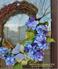 Simple to Make Hydrangea Spring Wreath