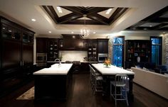 22 Beautiful Kitchen Colors with Dark Cabinets Black Kitchen Cabinets Beautiful cabinets Colors Dark kitchen Solid Wood Kitchen Cabinets, Espresso Kitchen Cabinets, Solid Wood Kitchens, Dark Cabinets, Wooden Kitchen, Kitchen Cabinet Design, Black Kitchens, Cuisine Espresso, Home Design