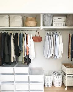 Here are some of the most functional and beautiful walk-in closet ideas to help you create an impeccable, organized dressing area. Dressing Room Closet, Closet Bedroom, Dressing Area, Dressing Rooms, Closet Organisation, Closet Storage, Muji Storage, Storage Spaces, Walk In Closet