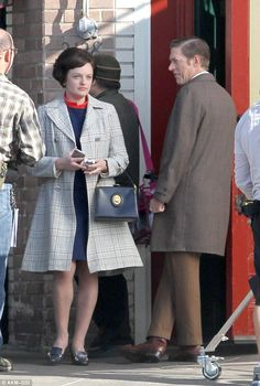 More Mad Men season 6 pics!  Love Peggy's new grown-up look.