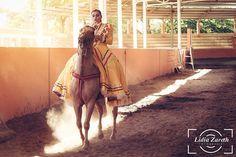 Instagram media by lz_fotografia92 - Retratando sueños 🐎📸 ◦ ◦ ◦ #caballo #caballos #jinetes #horses #horse #lz #lienzocharro #charra #escaramuza #carrera #passion #landscape #racetrack #lifestyle #jockey #jockeys #horserace #carreras #50mm #racehorse #race #prettywoman  #tabasco #sesión #charreria #vintage