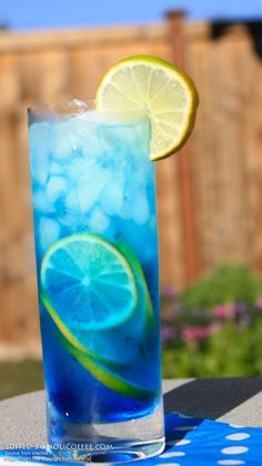 blue-tropical-paradise-cocktails-alcohol-mix-holiday-party-drink-menu-recipe