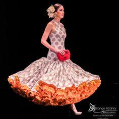 Pedro Béjar nos maravilla con #OMNIUM donde #BlancoAzahar ha tenido el placer de colaborar con sus #Floresdeflamenca . Simof 2018 - Salón Internacional de Moda Flamenca 2018 en Fibes Sevilla. Colección que toma el nombre originario de la localidad natal del diseñador, #Hinojos. #PedroBéjar #moda #fashion #ModaFlamenca #Sevilla #TrajesdeFlamenca #Simof #photography by @LolaMontiel Disney Characters, Fictional Characters, Disney Princess, Xmas, Orange Blossom, Flamingo, Fantasy Characters, Disney Princesses, Disney Princes