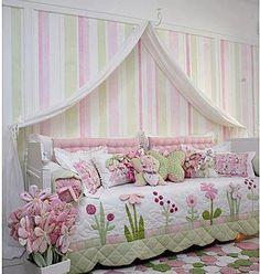 sooooo pretty day bed