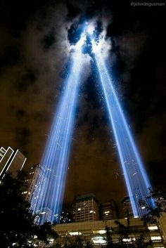 Twin Towers Memorial, World Trade Center, Financial District, Manhattan, New York City. World Trade Center, Trade Centre, Twin Towers Memorial, Such Und Find, 11. September, Belle Villa, City That Never Sleeps, Illuminati, Elle Magazine