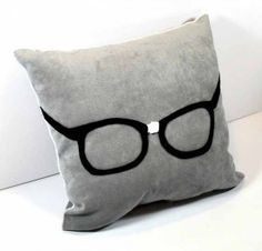 I love this geeky pillow!!