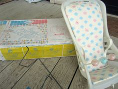 """Vintage John EE 1960's Infant Seat """" Carry All"""" or Doll Seat Original Box 