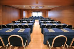 Conference rooms | The hotel has four independent conference rooms, three fitted with convertible panels, and all featuring natural light, television and fax machines, PA systems, climate control, broadband wireless access, and the latest in a/v equipment.
