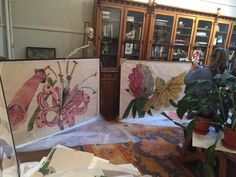 Galerie Maximillian owner, Albert Sanford, recently visited the studio of Sarah Graham. View photos from the studio visit, and see Graham's workspace. Botanical Drawings, Botanical Art, Abstract Flowers, Watercolor Flowers, Sarah Graham Artist, Art Studio Room, Jungle Art, Still Life Flowers, Watercolor Painting Techniques
