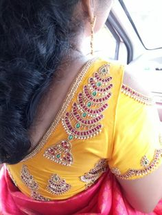 Simple Blouse Designs, Bridal Blouse Designs, Mirror Work Blouse, Pattu Saree Blouse Designs, Designer Blouse Patterns, Blouse Models, Aari Embroidery, Embroidery Designs, Stitching