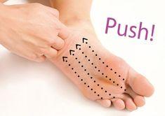 大至急〝見えるとこだけ〟ヤセとこう。簡単押すだけ、二の腕と脚のダイエット術 | andGIRL [アンドガール] Fitness Diet, Health Fitness, Natural Remedies For Anxiety, Tummy Workout, Do Exercise, Massage Therapy, Health Diet, Nice Body, Body Care
