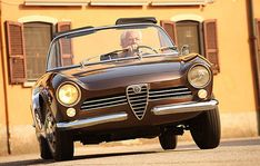Prototype: Alfa Romeo Giulia Spider (1963)   AutoItalia.nl