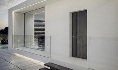 Le porte blindate Mister Shut da oltre 30 anni sono le porte che garantiscono altissimi livelli si sicurezza e grande design. Le porte blindate sono ANTIEFFRAZIONE CLASSE 3-4. Scarica scheda pdf del modello e richiedi la tua porta blindata.