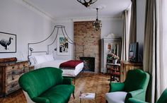 Art Meets Eclectic Luxury at the New Artist Residence Hotel in London