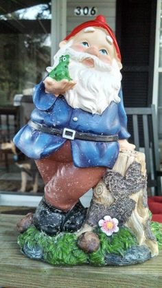 Gnome with frog