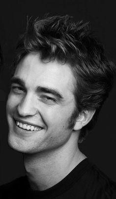 robert pattinson black and white Edward Cullen Robert Pattinson, Robert Pattinson Twilight, Robert Pattinson And Kristen, Edward Pattinson, Robert Douglas, I Robert, Kristen And Robert, Twilight Edward, Twilight Saga