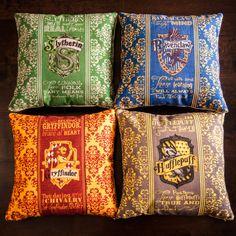 Set of 4 Harry Potter Pillows... Gryffindor Slytherin Ravenclaw Hufflepuff... all Hogwarts House Crests!